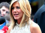 English: Actress Jennifer Aniston at the London premiere of movie Horrible Bosses.