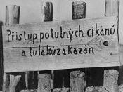 English: Signs: The ban on entry of itinerant Gypsies and rover Česky: Cedule: Zákaz vstupu potulných cikánů a tuláků