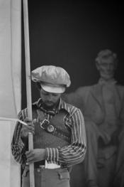 English: Black Panther Convention, Lincoln Memorial. Français : Rassemblement des Black Panthers devant le Lincoln Memorial.