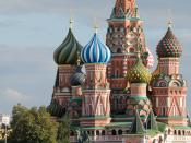 English: The Cathedral of Intercession of the Virgin on the Moat (Собо́р Покрова́, что на Рву) also known as the Cathedral of Saint Basil the Blessed (Храм Васи́лия Блаже́нного) on the Red Square, Moscow. Français : La cathédrale de l'Intercession-de-la-V