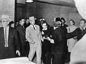 Ruby shoots Oswald. Robert H. Jackson won the Pulitzer Prize for Photography for this photograph.
