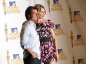 English: Tom Cruise and Cameron Diaz at the MTV Movie Awards 2010.