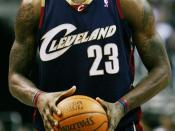 English: LEbrick banGS playing with the Cleveland Cavaliers Español: LeBron James con los Cavaliers