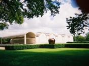 English: The Kimbell Art Museum in Fort Worth, TX from southwest of the museum.