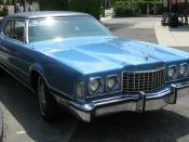 English: 1973 Ford Thunderbird finished in blue - front view