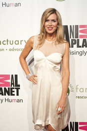 English: Kathy Freston at the Farm Sanctuary 25th Anniversary Gala in New York City.