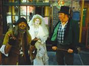 English: Dickens Festival, Rochester. Charles Dickens lived in Rochester and set many scenes from his books here. Fagin, Miss Havisham and Bill Sikes are outside the Kings Head.
