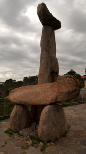 Representation of Tjilbruke bearing his nephew. Created by John Dowie, it is located at Kingston Park, South Australia.