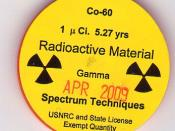 English: This is image of an plastic Isotope container containing Cobalt-60. There is a non-harmful amount in this container. The Cobalt-60 container was made by Spectrum Techniques LLC and the actual Cobalt-60 was created at Oak Ridge. And sold by United