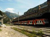 Tren a Zaragoza en la estacion de Canfranc