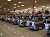 A Safeway before opening time. (This is NOT a UK Safeway store as original uploader log claims - see talk page).