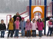 English: Students learning about snow, in the the snow!