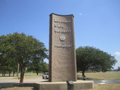English: I took photo with Canon camera of entrance sign at LSU in Shreveport, LA.