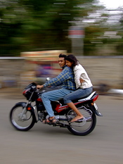 English: Couple on a motorcycle in Rajasthan, India