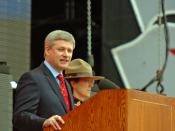 English: Prime Minister Stephen Harper speaking at 2009 Canada Day celebrations on Parliament Hill.