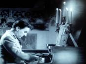 Deutsch: Anton Hynkel spielt Klavier in dem Film