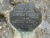 English: Edward Thomas' memorial stone on a hillside near Steep. Suzanne Knights, my photo, July 2006