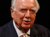 English: Legendary CBS newsman Walter Cronkite speaks at a ceremony at the National Air and Space Museum in Washington celebrating the 35th anniversary of Apollo 11 in 2004.