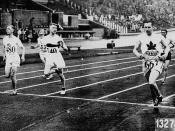 Percy Williams of Canada (right) competing in the VIIIth Summer Olympic Games / Percy Williams (à droite), du Canada, en train de participer aux VIIIe Jeux Olympiques d'été
