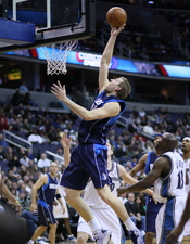 English: Dirk Nowitzki playing with the Dallas Mavericks
