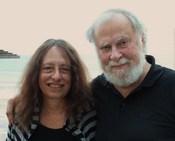 English: Carol and James Gilligan, at Haifa Beach עברית: קרול גיליגן ובעלה ג'יימס, חוף דדו, חיפה