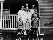 English: Frederick and Gertrude Hudson and family. Ruth, Irene, Aurence, Wilfred, Rowland and Harry. The Hudson family lived on Rome Street, Toowoomba.