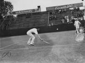English: Tennis player in action in Brisbane, 1940.