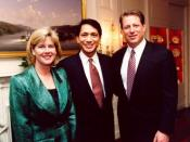 English: Mrs. Mary Elizabeth Gore, Franklin Urteaga (White House Technology Policy Staffer), and Vice President of the United States, Al Gore
