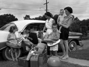 Families preparing for a beach vacation in Tallahassee, Florida