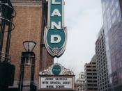 English: The Arlene Schnitzer Concert Hall and Southwest Broadway in downtown Portland, Oregon, United States.