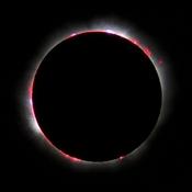 English: Total Solar eclipse 1999 in France. Français : L'éclipse totale de soleil de 1999 en France. For more translations SEE BELOW