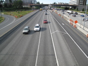 English: Interstae 405 (I-405) Southbound in Bellevue, Washington as seen from the NE 8th Street overpass.