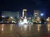 Izmir Cumhuriyet meydani gece