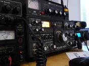 English: Amateur radio station. More at M0TCX web site