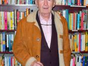 Frank McCourt at New York City's Housing Works bookstore for a tribute to recently-deceased Irish poet Benedict Keily. Photographer's blog post about the death of Frank McCourt and the memory of this photo. The photographer dedicates this portrait to Wiki