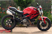 English: Ducati motorcycle Monster 796. Français : Moto Ducati Monster 796.