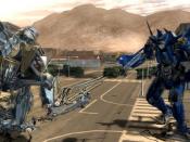 Starscream confronts an Autobot drone.