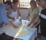English: Franchisee training in Tuscany