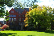 English: Old Main at Macalester College
