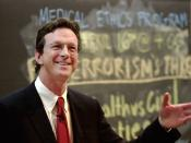 English: American author and speaker Michael Crichton speaking at Harvard.