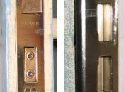 English: Composite photo of two parts of a mortise lock