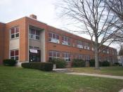 English: Front view of the Central School Annex in Kent, Ohio. The annex was built in 1953 as Central Elementary School, which it served as until 2000 when it was replaced by Davey Elementary School. Today it houses several programs of Theodore Roosevelt
