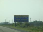 English: Speeding fine ($10 000) warning on Highway QEW in Ontario