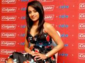 Trisha poses with Guinness World Records certificate for Colgate and IDA