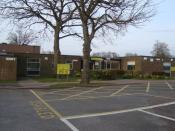 English: Broadfield East Nursery and Infant School Schools for pupils aged 3 to 7. Formerly Broadfield East First School, opened in 1978. Became Infant in 2004.