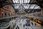 English: The concourse of Liverpool Street station, London, England.