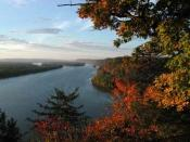 Mississippi River from Fire Point in Effigy Mounds National Monument, Iowa, USA
