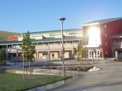 English: The campus of American Canyon High School relies on solar power and other renewable energy resources.