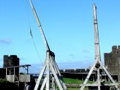 English: Scaled-replica siege weapons at Caerphilly Castle, south Wales