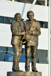 English: Statue of Brian Taylor and Brian Clough outside Pride Park Stadium Derby